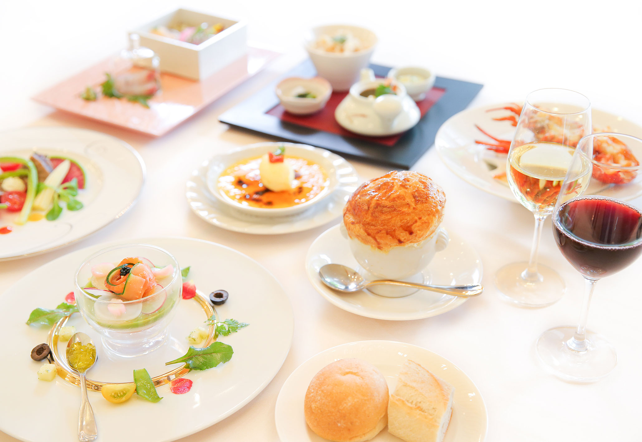 8月から新メニュー登場☆ 大切なゲストは最高においしいお料理でおもてなしを。フレンチの王道をくずさず仕上げた新作メニューは見た目も味も更に楽しんでいただけます! | 愛媛県西条市の結婚式場ベルフォーレ西条