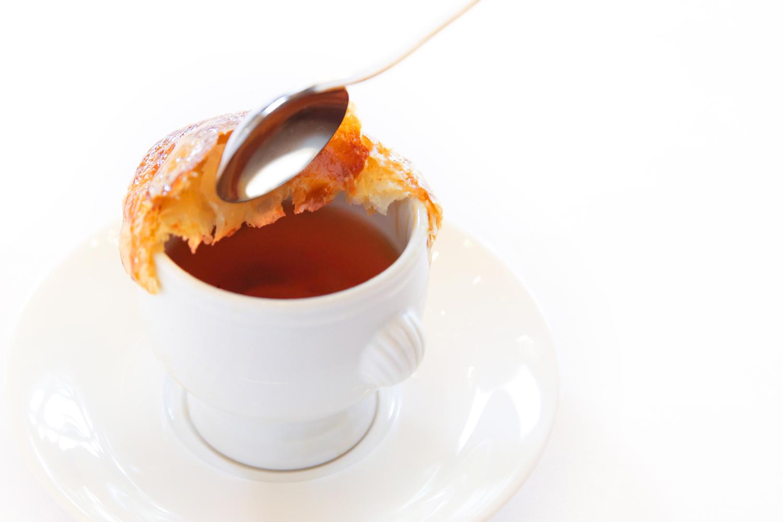 【スープ】自家製コンソメスープのパイ包み | 愛媛県西条市の結婚式場ベルフォーレ西条