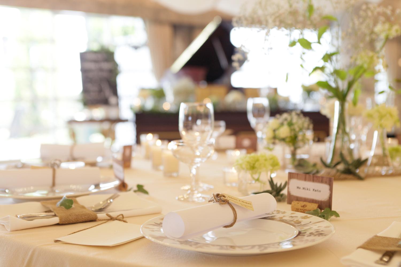 麻を使ったテーブルコーディネートは一気にナチュラルな雰囲気へ   愛媛県西条市の結婚式場ベルフォーレ西条