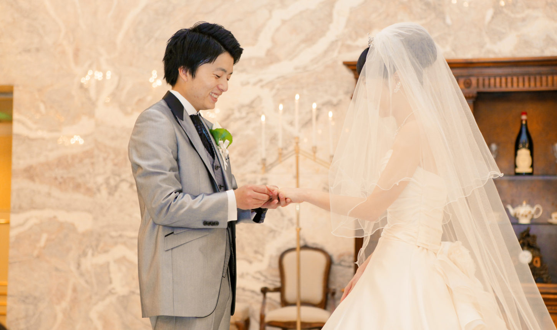 二人の愛の印である指輪の交換 | 愛媛県西条市の結婚式場ベルフォーレ西条