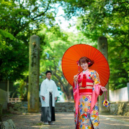 伊曽乃神社は前撮りスポットも多数。初詣、出産後のお宮参りなど、人生の節目ごとに訪れて思い出を重ねて