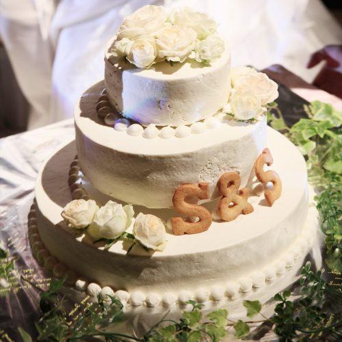 ナチュラルなデザインのウエディングケーキ